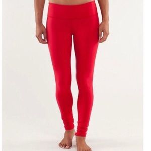 Lululemon red wunder under leggings